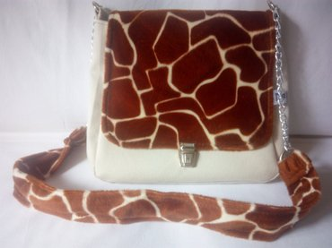 Od koze torbica - Srbija: NOVA dizajnerska torbaUnikatna prelepa torba dizajnerke Ninoslave