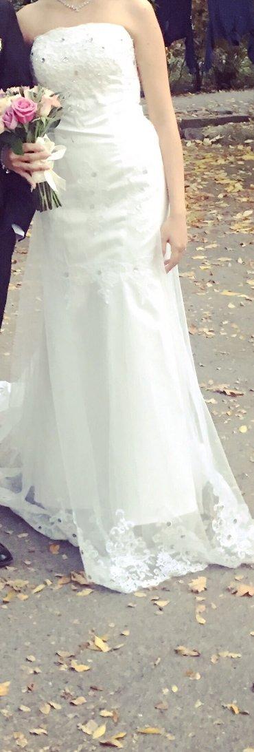 Продается свадебное платье. 1 раз одёванное. Цена 5000  в Бишкек