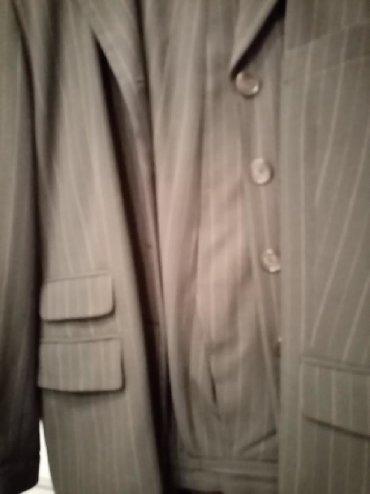 Sako i pantalone kompleti zenski - Srbija: Zenski komplet,duzi sako i pantalona.velicina 46.Maslino zelene boje