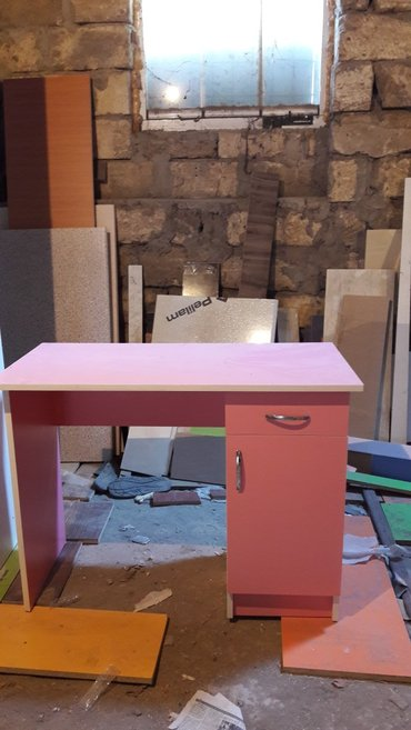 Bakı şəhərində Yeni model yazi masasi 100×50sm