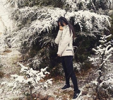 женская куртка осень весна в Кыргызстан: Куртка весна-осень очень лёгкая удобная Обмен интересует!
