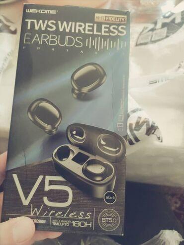brilliance v5 16 at в Кыргызстан: Продаю беспроводные наушники TWS wireless EARBUDS. V5  Новый  Цена 110