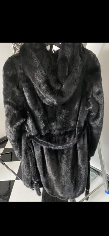продажа квартир в караколе in Кыргызстан | ПОСУТОЧНАЯ АРЕНДА КВАРТИР: Срочно продаю норковая шуба идеальный состояние лёгкий, удобный не кит
