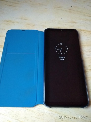 Чехлы в Сумгайыт: Samsung A50 2019 orginal smart kabro 6 azn cox az islənib cizigi belə