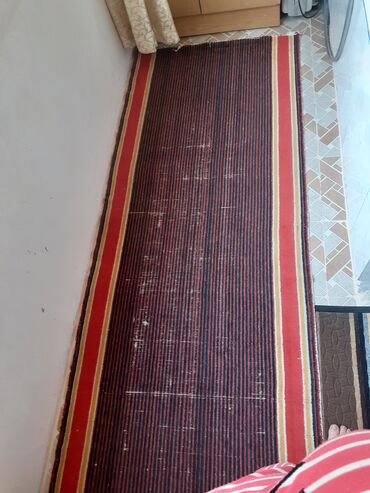 Kavralit Xalca satilir ölçüsü 260x100 sm Qiyməti cemi 10 manat. Unvan