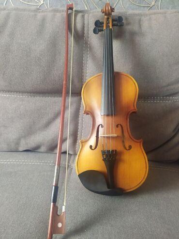 Музыкальные инструменты - Кыргызстан: Хорошая Румынская скрипка. 1/4. В хорошем состоянии
