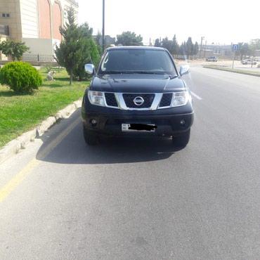 Bakı şəhərində Nissan Navaro