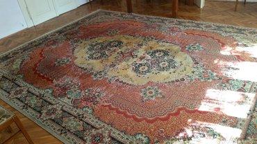 Predivan unutrasnjosti sesira naznacemo je - Srbija: Predivan veliki tepih, kvalitetan, lak za održavanje, veličina mu je