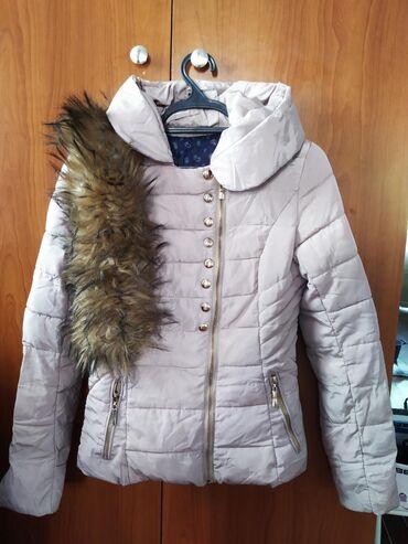 Разгрузка гардероба, ( бежевая курточка, и серое пальто с милым