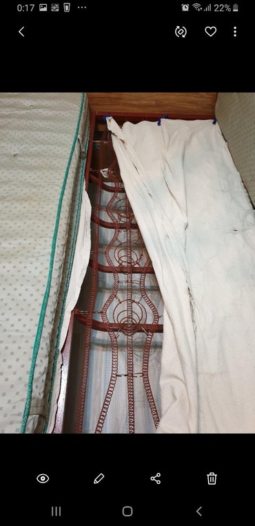 Продаю кровать двухспальную Полированную, усиленную. цвет дуб светлый