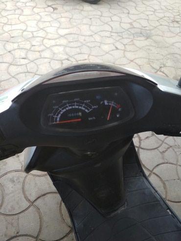 Скутер Honda . Объём 100,4х тактный. Адрес в Бишкек