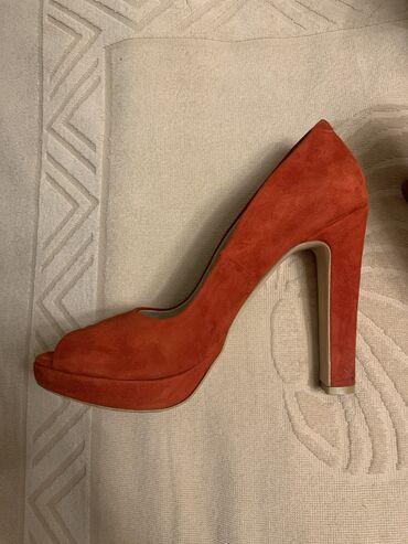 Продаю итальянские туфли из качественной замши, размер 38. Колодка