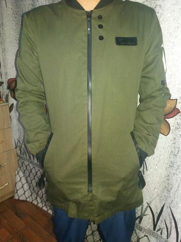 Продаю стильную весеннюю куртку.качество.размер м.цена 4500 в Бишкек