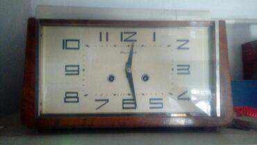 Продам часы Янтарь раритет рабочие с боем. Размером чуть меньше