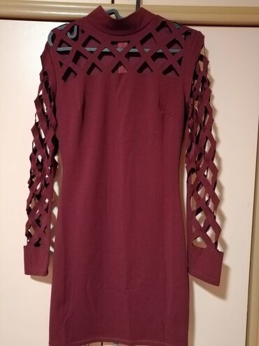 Ženska odeća | Mladenovac: Bordo haljina malo iznad kolena velicina M/LZa vise informacija