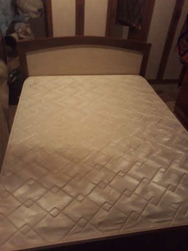 Кровать двухспальная в отличном в Ош