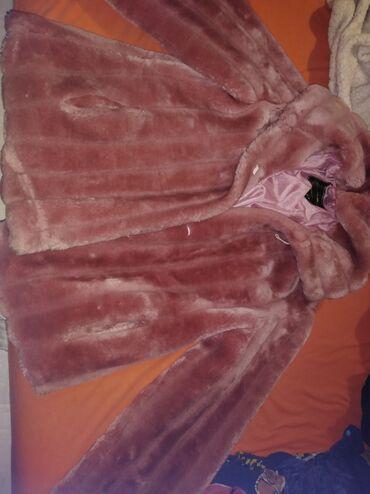 Roze krznena bundica duz 60 cm, nenosena topla izuzetno