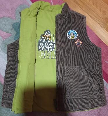 H-m-zelena-kosulja-sa-kristalnim-detaljbroj - Srbija: Waikiki prsluk jakna za decake, pise 6 godina ali veci, do 8 komotno