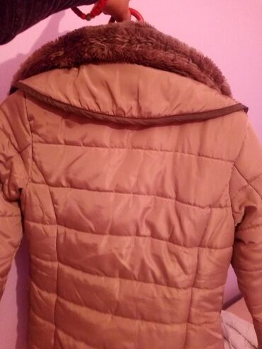 Zimske tople cizmice - Srbija: Jakna mnogo topla sa krznom za zimske Dane 1.500 placena je 4.500