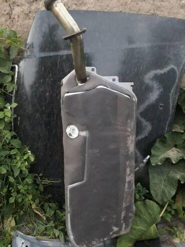 Автозапчасти в Токтогул: Продаю бенза бак Мерс 210