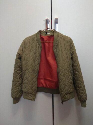 жакет бомбер в Кыргызстан: Куртка бомбер. Чёрный жакет . Винтажный жакет