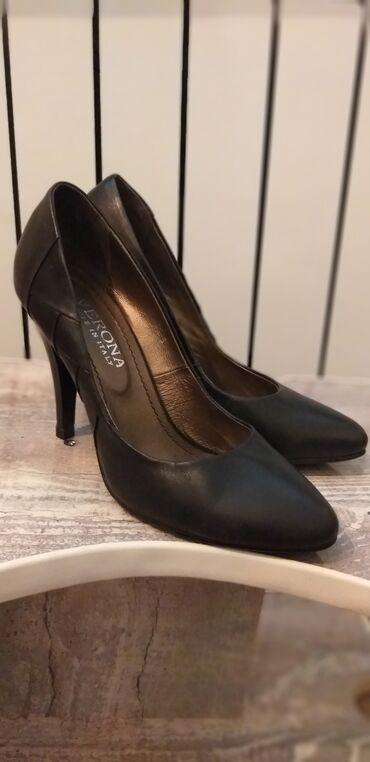 Кожаные туфли на маленькую ножку. В хорошем состоянии. Вторая пара