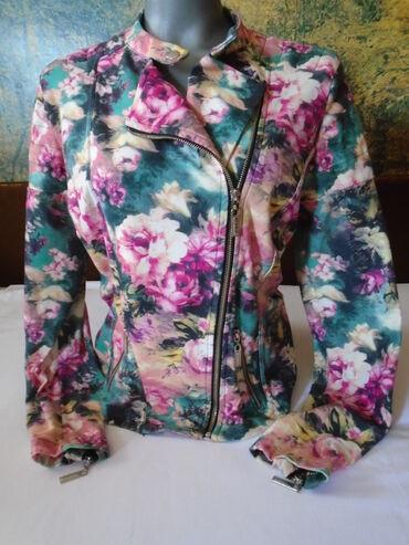 Nju jorkeru - Srbija: Cvetna letnja/prolećna jaknica veličine 42. Uz nju na poklon