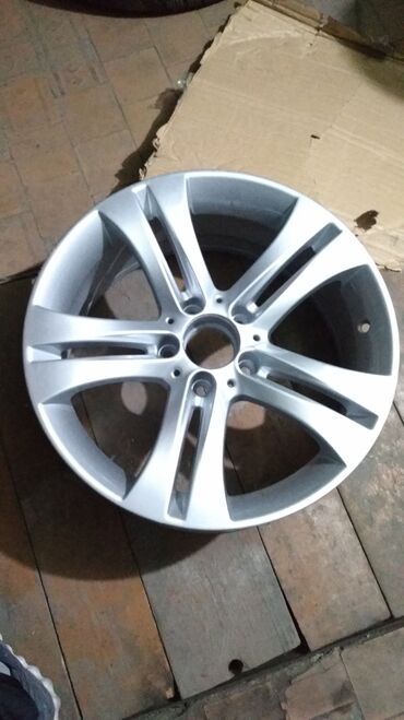 диска мерседес в Кыргызстан: Mercedes R17 W212 реплика! Диски в отличном состоянии! Освеженные!
