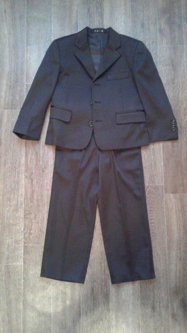 Продаю костюм тройка б/у. Состояние отличное (одели один раз). Размер  в Бишкек