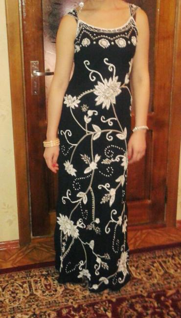 черное вышитое платье в Кыргызстан: Нарядное платье вышитое бисером. размер 46. одевала 1 раз. Прокат 1000