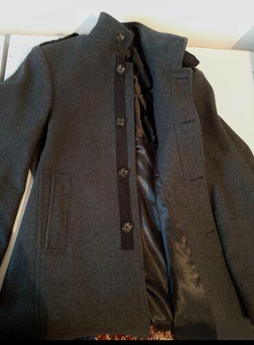 alfa romeo 90 в Кыргызстан: Стильное мужское пальто ( Турция)Цвет: серый Состав : 90% натуральная