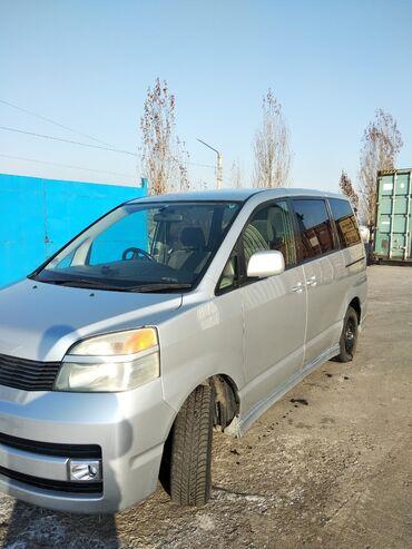 Toyota - Руль: Справа - Бишкек: Toyota Voxy 2 л. 2003 | 196000 км
