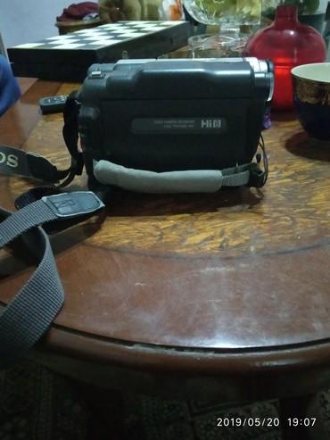 videokamera sony handycam в Азербайджан: Videokamera sony(HANDYCAM).orijinal maldi(az islenib ela veziyetde)