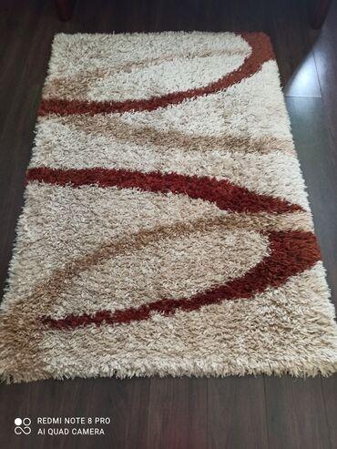Kuća i bašta - Cuprija: Na prodaju 2 tepiha veličine 178x118, bili su u dečjoj sobi, oprani