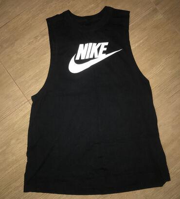 Lep jako model - Srbija: Nike majica, jednom obucena. Neodgovarajuca velicina. Otvorena sa