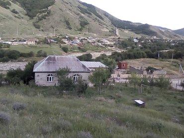 Xızı şəhərində Xizi, Altiagac, lager terefde yerlesen ev ve torpaq sahesi satilir.