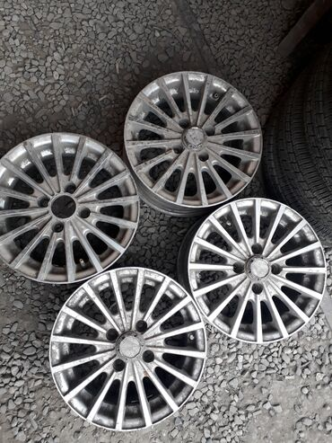 суточный квартира город ош in Кыргызстан   СПЕЦТЕХНИКА: Продаю титановые диски на Фит, жигули нехиа, и.т.д размер 13, в