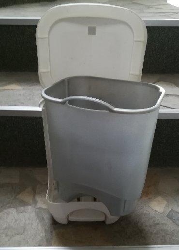 Ostalo za kuću   Vranje: Kanta za otpatke dimenzije 30x24x20 cm, vadi se unutrašnja kanta i