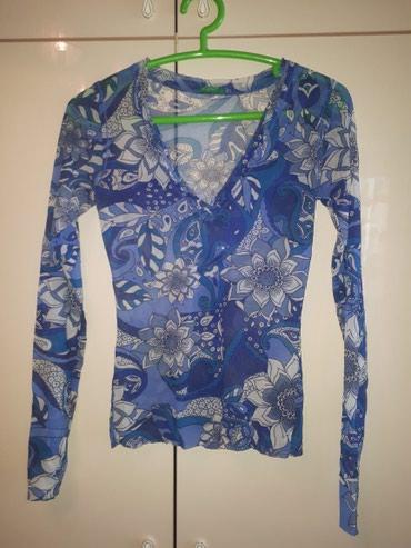 Удобный, модный принт и цвет, топ United Colours of Benetton, размер М в Бишкек