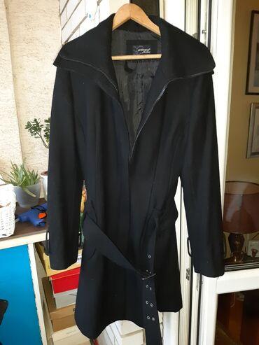 Zimski kaput evropska - Srbija: Crni ženski kaputićNedostaju 4 zubca na rajsferšlusu ali se i pored