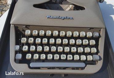 Pisaca masina - Beograd: Remington travel, made in Holland. Pravi raritet pisace masine. Engles