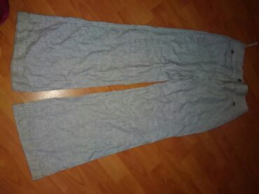 Letnje pantalone - Srbija: Prelepe letnje lanene pantalone zvonaste sive sa prugicama vrh su