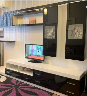 TV STEND TECILI Turkiyeden almishiq 1500 dollara. 600 manata satiram