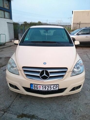 Mercedes-Benz B 180 2 l. 2012 | 230000 km