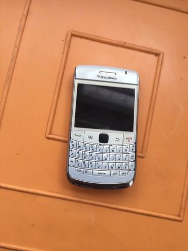 blackberry q10 в Азербайджан: Tam idial veziyetdedir antik madel ref deil shekiliz sheklidi