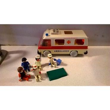 Παιχνίδια σε Αθήνα: Ασθενοφόρο Playmobil (vintage) 1977 geobraΛείπει το τζάμι στο πίσω