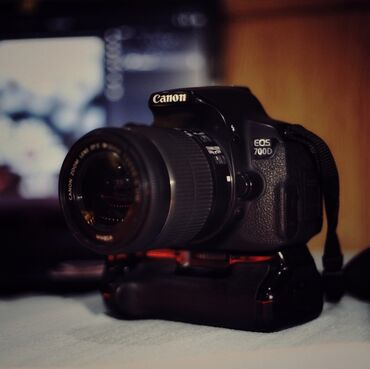 4006 объявлений: Canon 700d (Снимки в объявлении сняты на данную камеру) Отличная