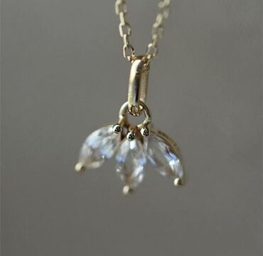 Личные вещи - Кыргызстан: Красивая цепочка из серебра 925 пробы, покрытая 14k золотом. Вставка и