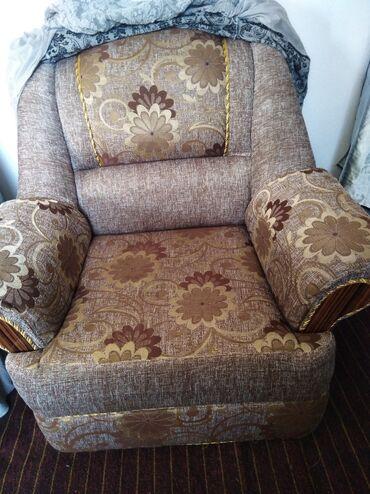 Срочно продаю. Диван, кресло. отличный состояние. Без девекти. Чистый