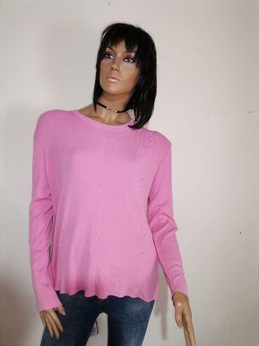 Roze bluza bez ikakvih ostecenja kao nova Velicina L /XL ima dosta ela